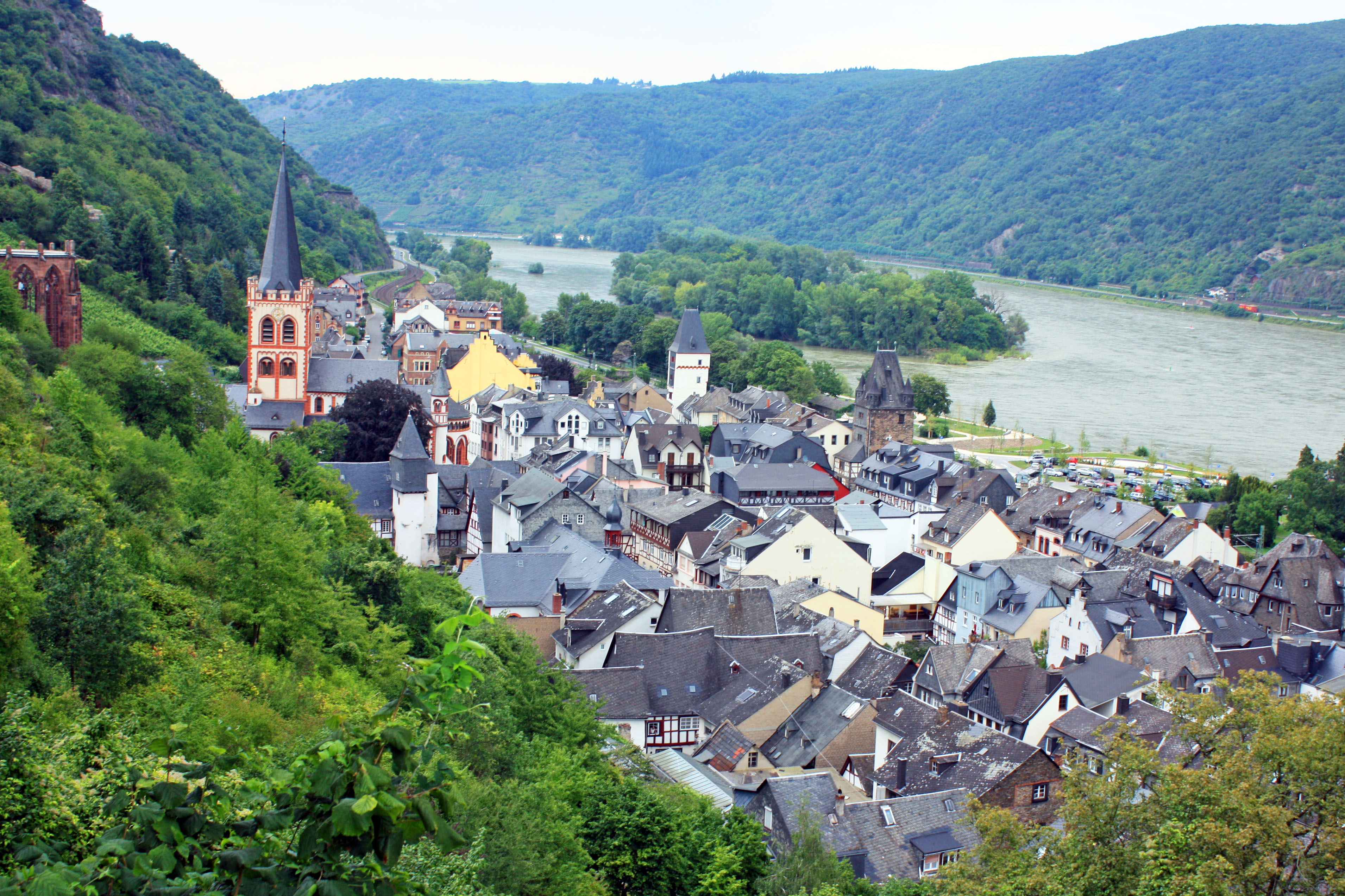 Top of the hill views of the Rhine River and Bacharach.