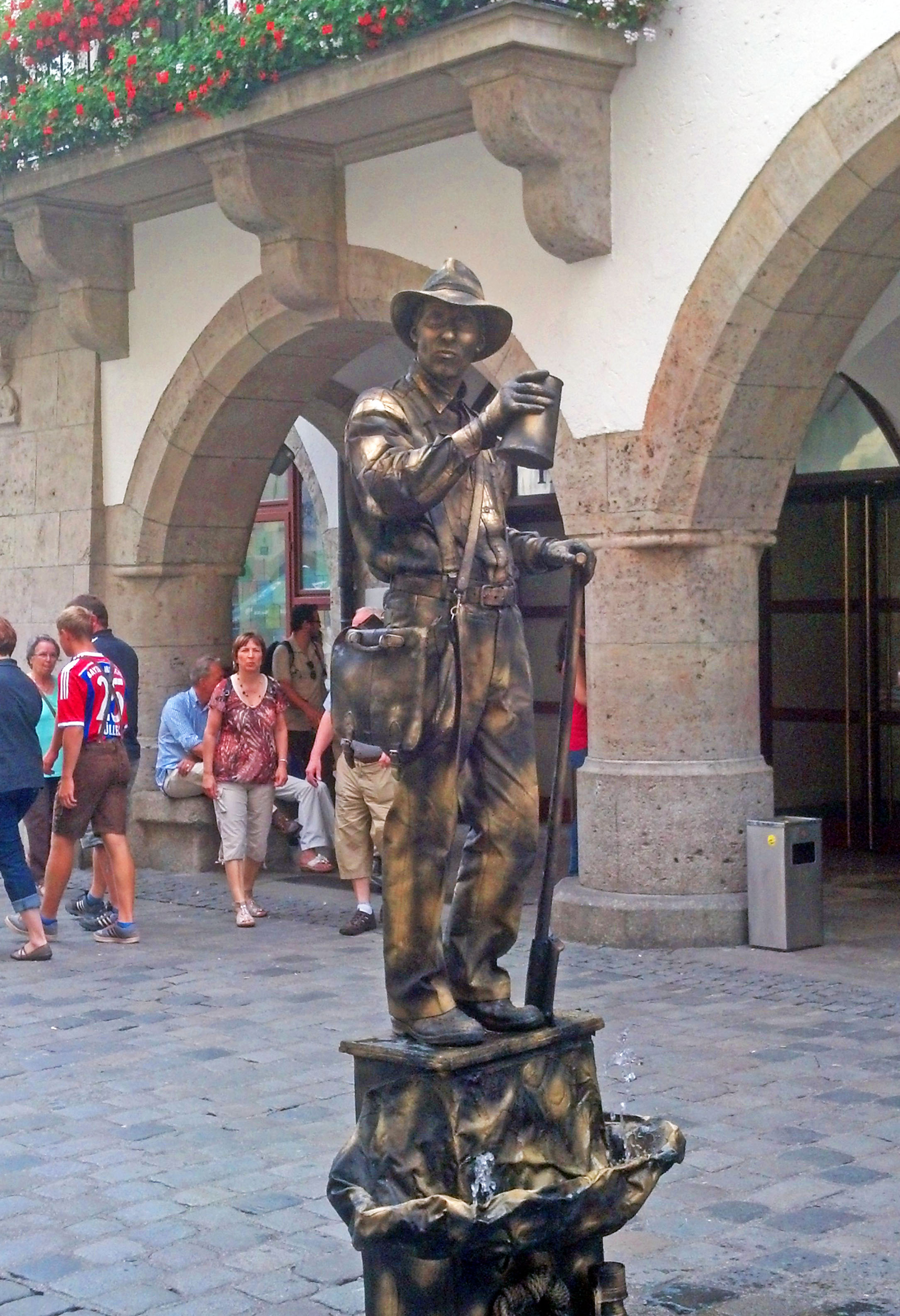 A mime entertaining in Munich's Marienplatz.